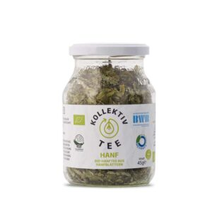Bio Tee Hanf, CO2 Neutral produziert, freigestellt auf weißem Hintergrund im Mehrwegglas