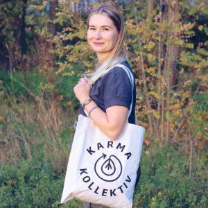 Jutebeutel nachhaltig aus 100% Bio Baumwolle und FairTrade mit KarmaKollektiv Logo