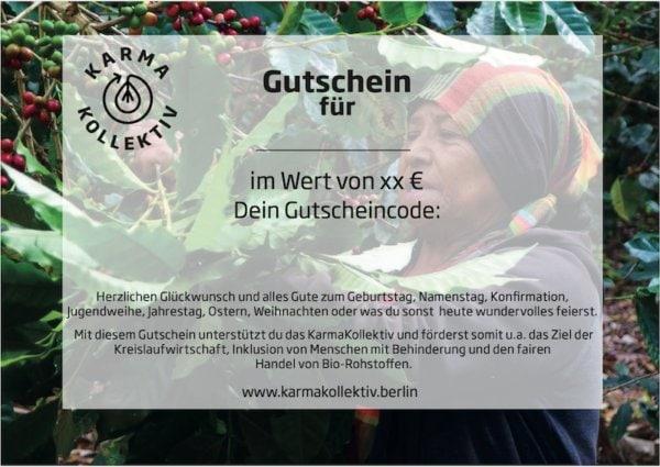 KarmaKollektiv Gutschein mit Frau bei der Ernte von Bio Kaffee und Bio Tee