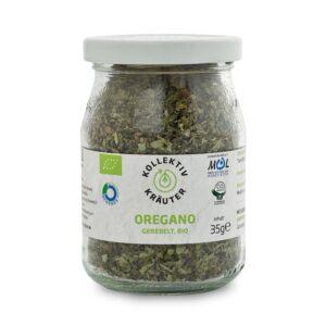 Bio Gewürz Oregano, CO2 neutral produziert, freigestellt auf weißem Hintergrund im Mehrwegglas.